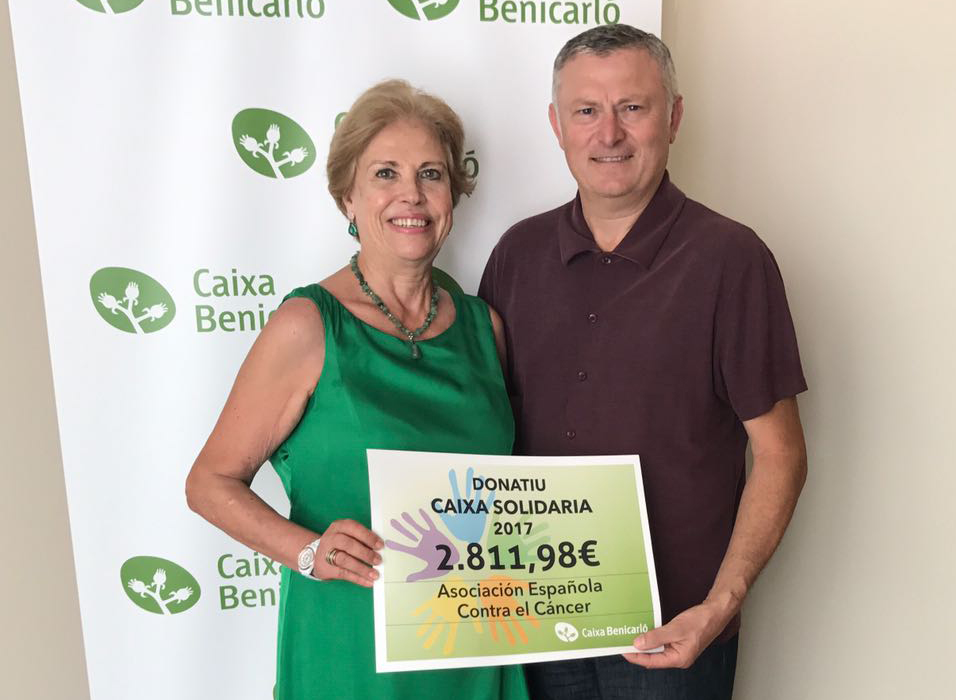 Caixa Benicarló repartix més de 9.000€ en xecs solidaris